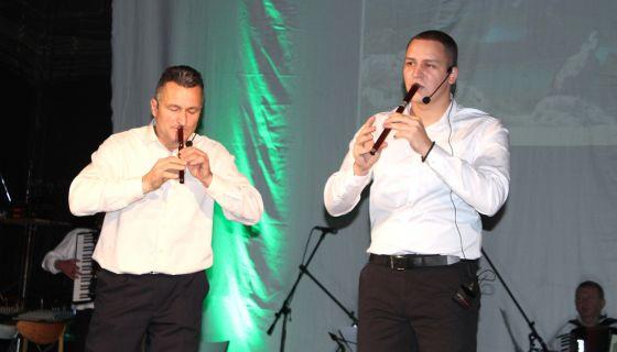 Свирај, фруло, свирала за дуго - отац и син, Милољуб и Дарко Прелић