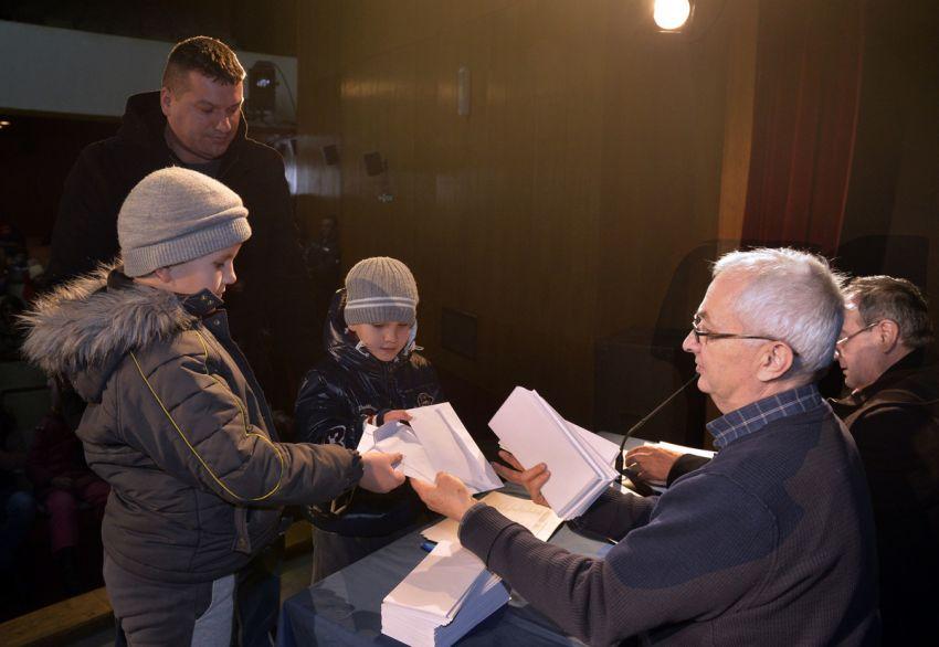 """Humanitarna Organizacija """"Stara Raška"""" podelila je humanitarnu pomoć"""