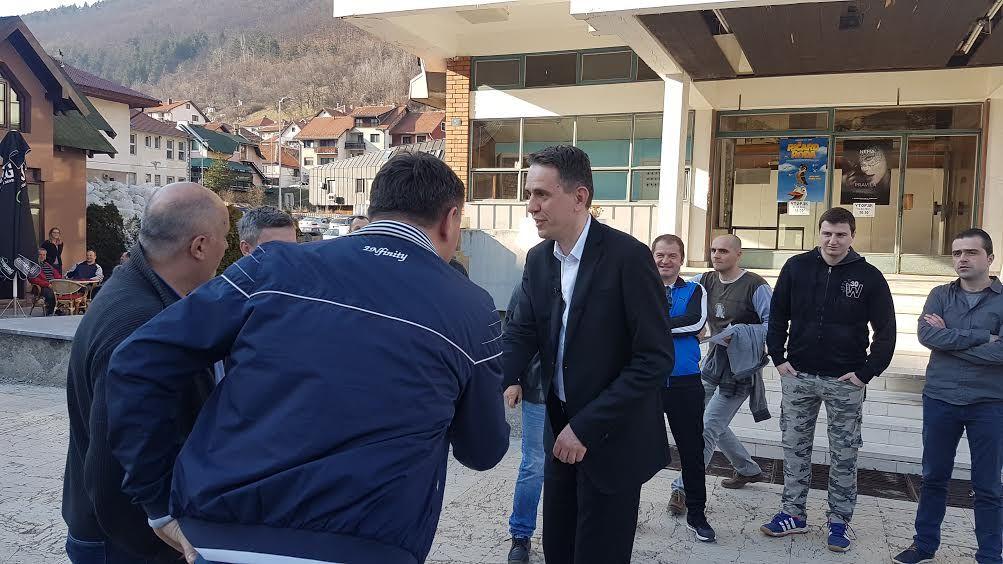 Саша Радуловић разговара са грађанима Нове Вароши