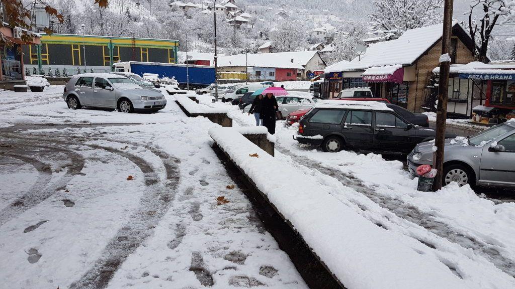 Пријепоље - отежано кретање пешака по снегу