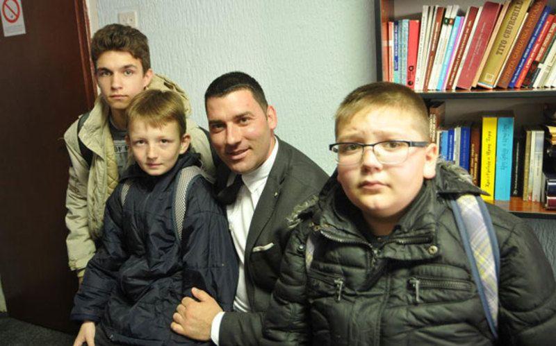 Војкан Крстић са Филипом, Сашом и Драгомиром
