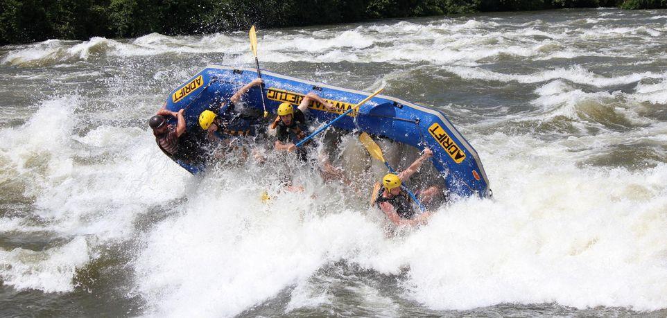 Rafting ilustracija