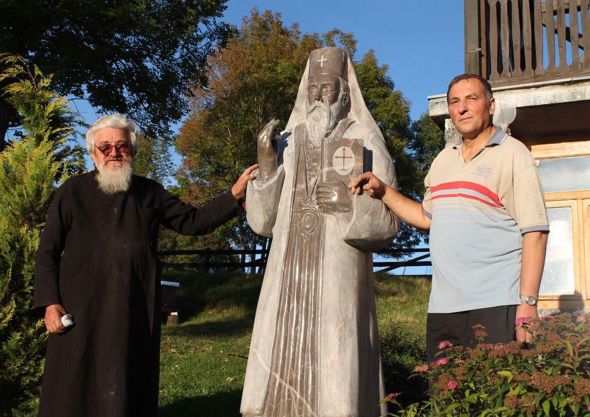Dug čuvaru vere i ognjišta – iguman Makarije i vajar Vladimir Mitrović