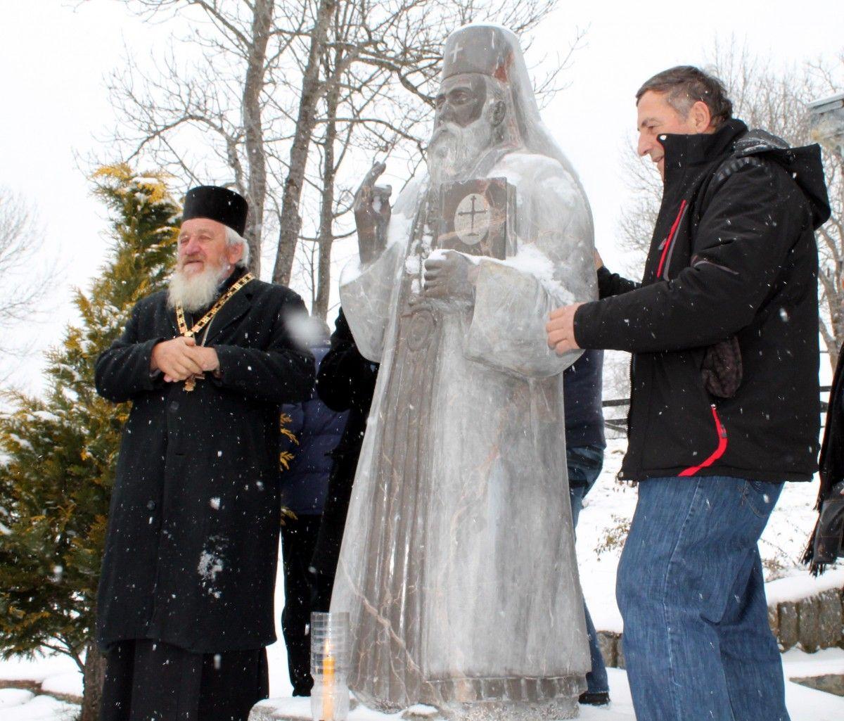 Iguman Makarije i vajar Mitrovic