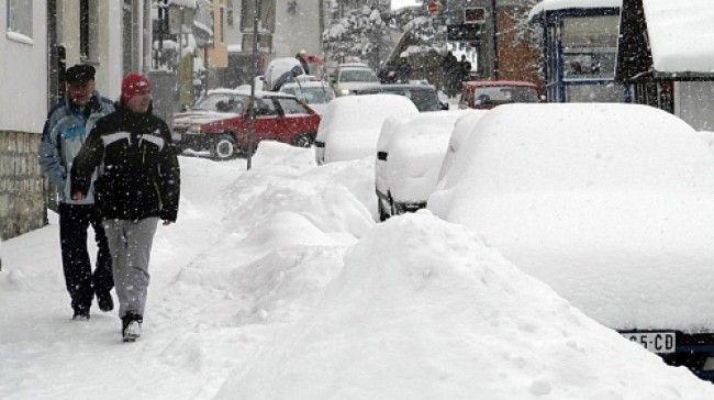Sneg otežao kretanje i u gradu