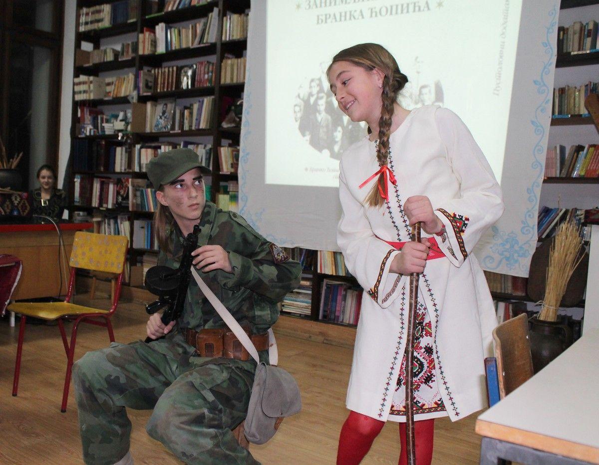 """Девојчурак """"разоружао"""" делију, митраљесца Николетину Бурсаћа"""