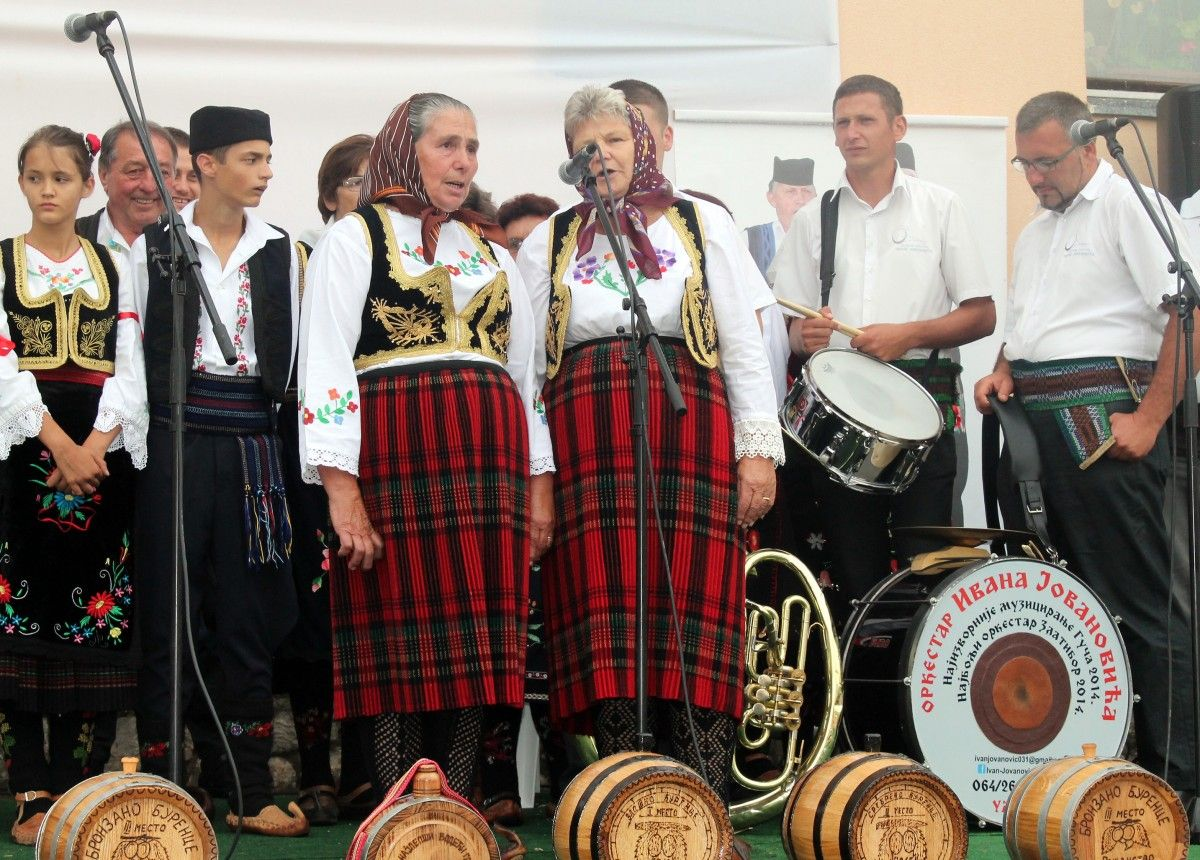 """12. Сабор изворне народне песме """"Без извора нема воде"""" у чајетинском селу Рожанству."""