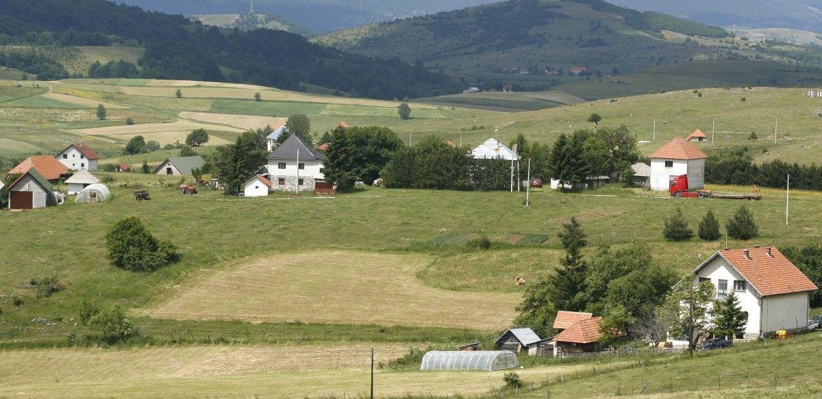 Дуго чекају асфалт у Љепојевићима, селу сточара и кромпираша
