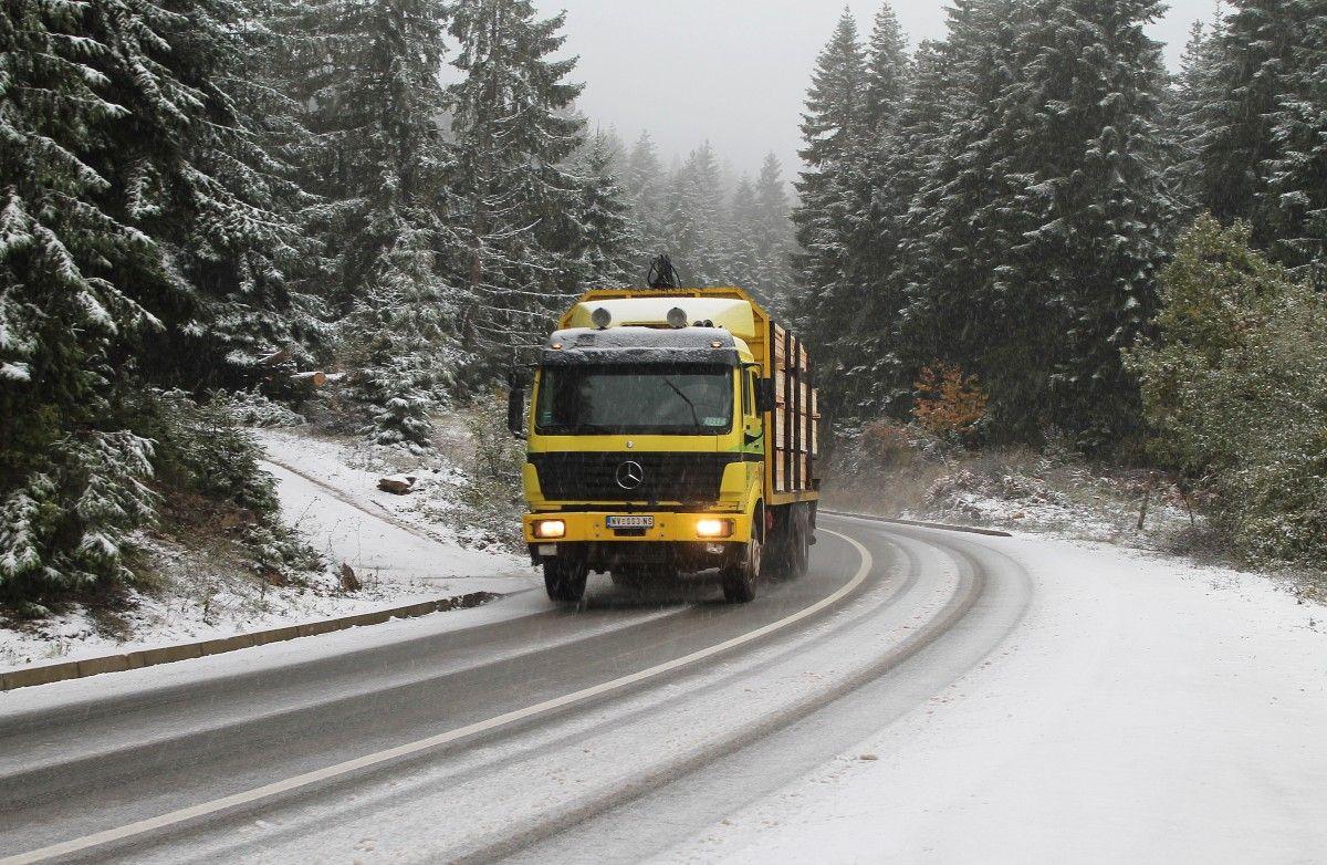 Први снег на путу Нова Варош - Сјеница преко Златара