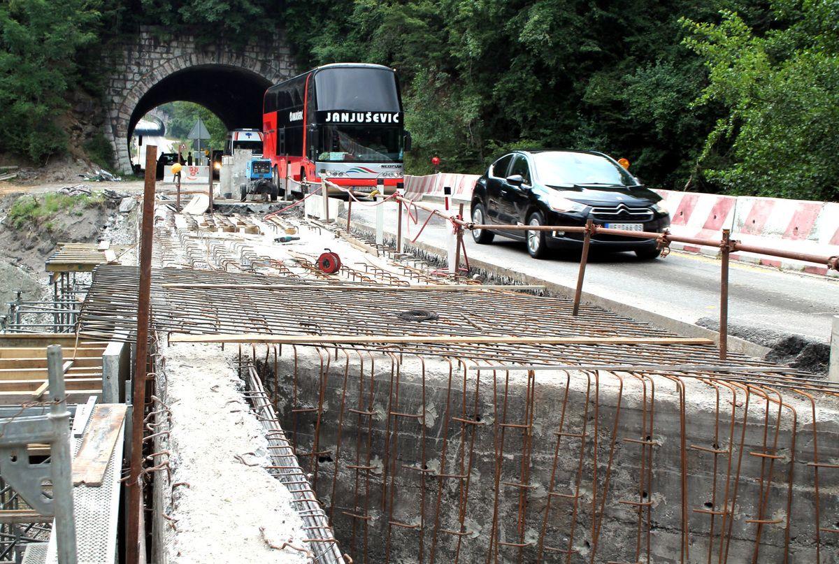 Поправка моста преко Бистрице