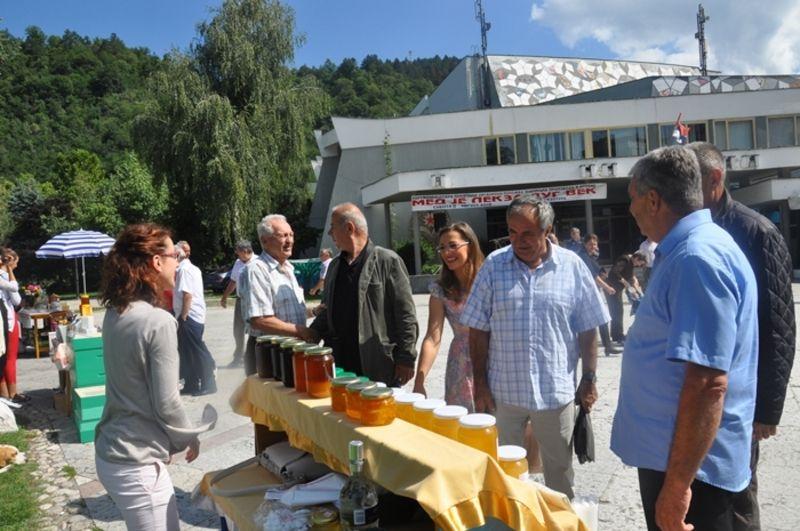 Једанаести Сајам меда и пчелињих производа