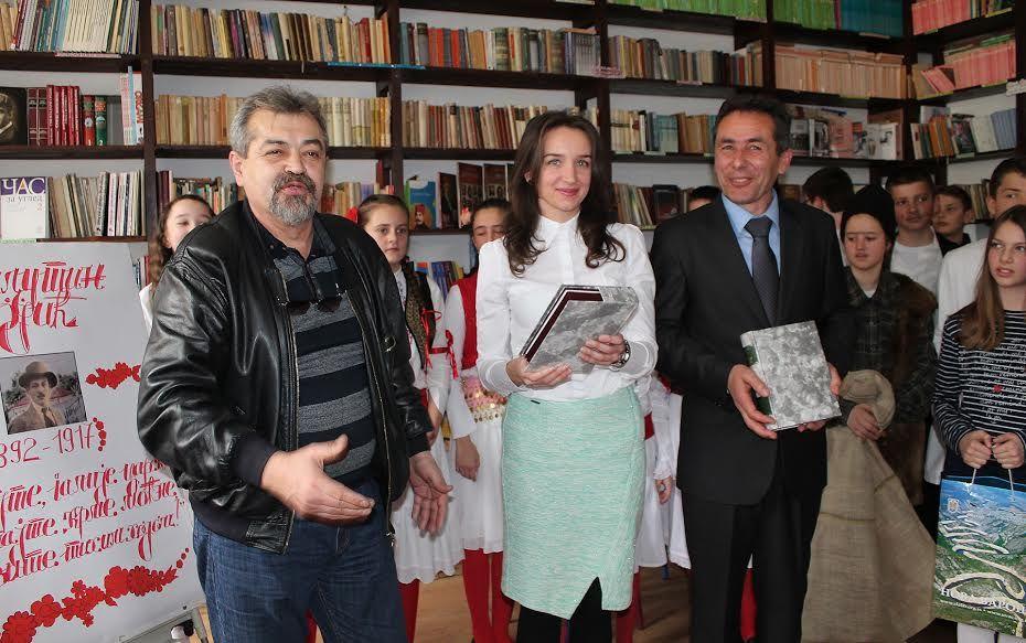 Радио Београд дарује књиге