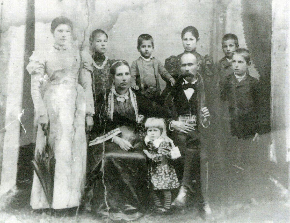 Породица Хаџи Мила Цуцића с краја 19. века