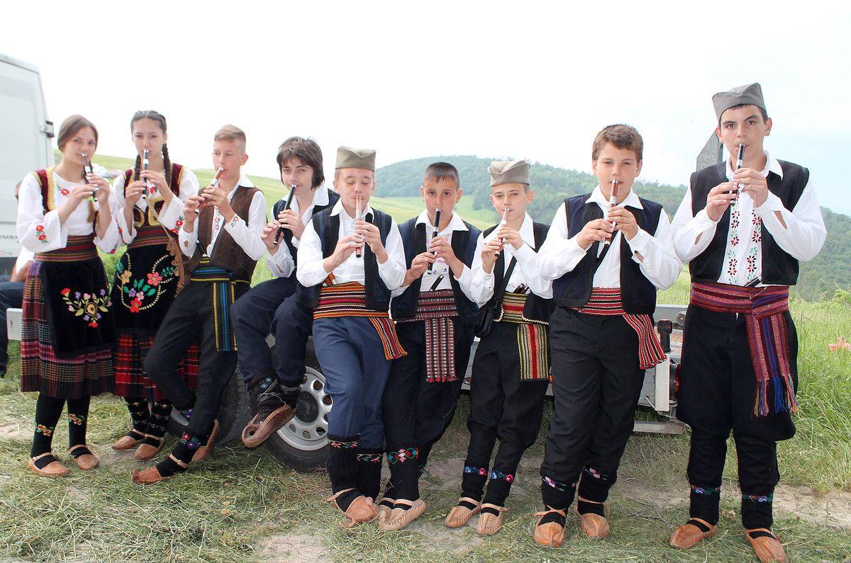 Чувари традиције - свирачи старих инструмената