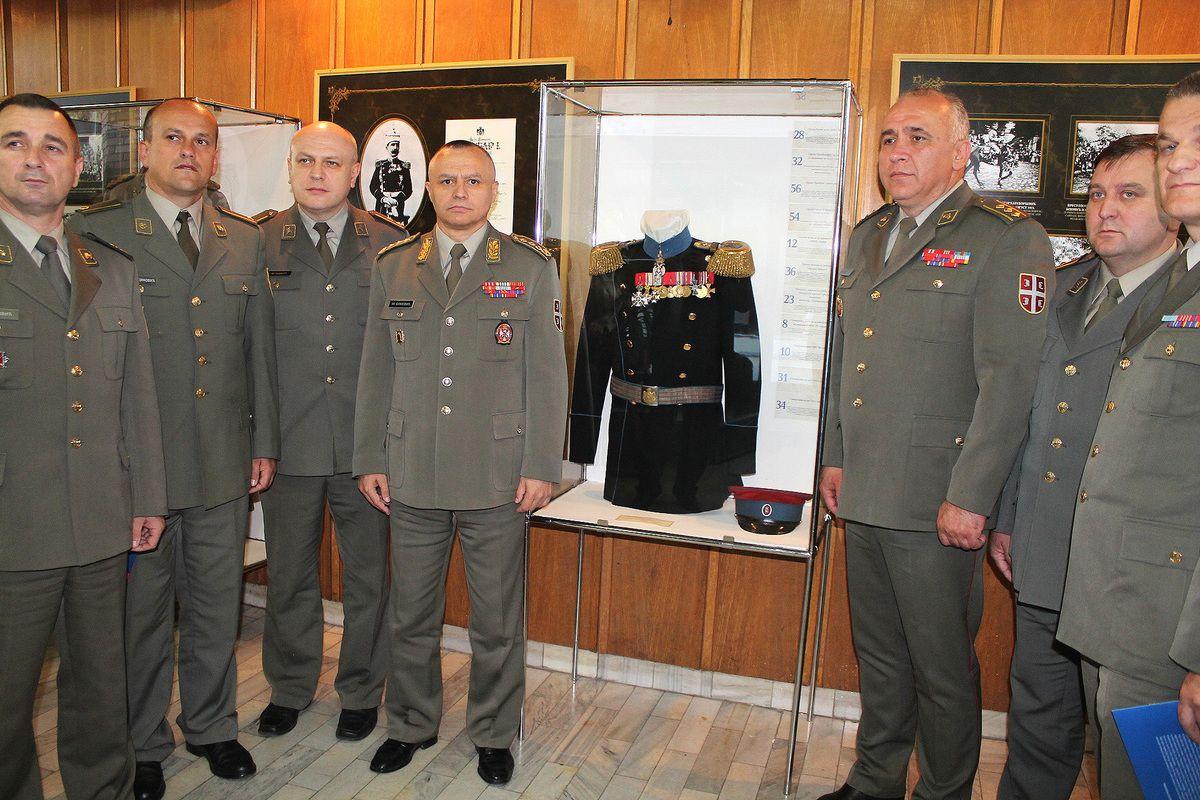 Заслуге старог ратника - генерал Симовић са сарадницима