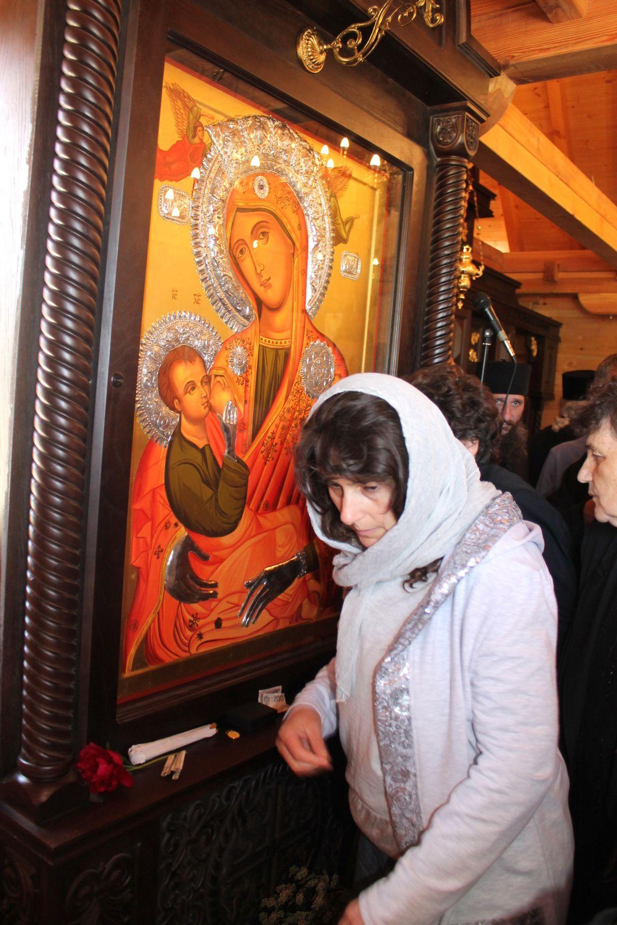 Икона Тројеручица, донета са  Хиландара
