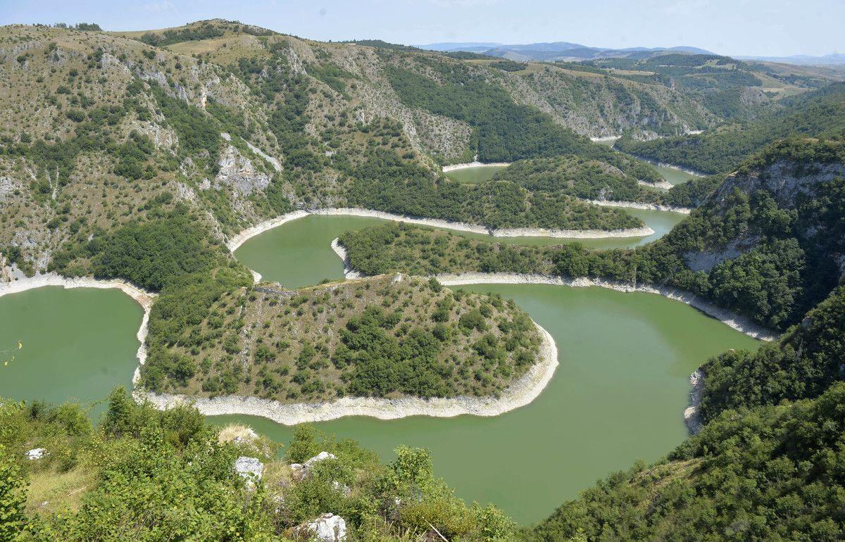 Meandri Uvačkog jezera