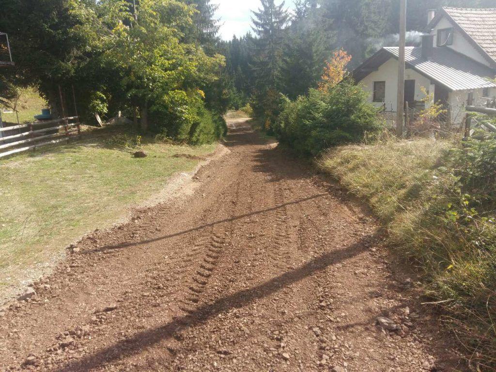 Један од санираних сеских путева на подручију општине Нова Варош