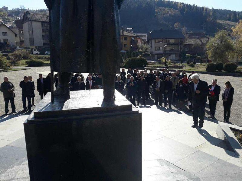 Полагање венаца код споменика војводи Петру Бојовићу