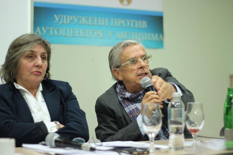 Драгана Чабаркапа и професор Станко Црнобрња на трибини која је одржана у Чачку, фото: Глас западне Србије