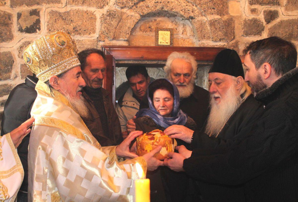 Слава у Дубници - епископи Атанасије и Филарет и игуман Павле (Фото: Д. Гагричић)