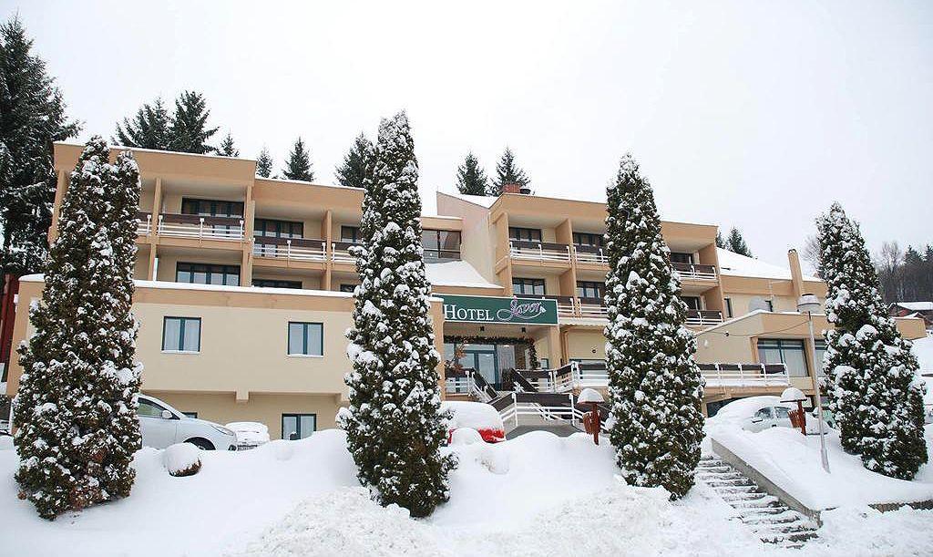 Гости одлазе до Штиткова и језера на Увцу,   хотел  Јавор