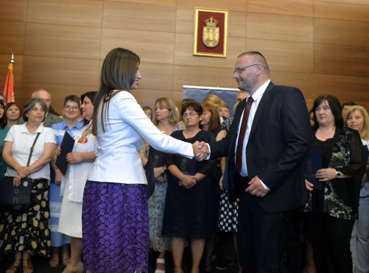 Леко Колашинац, директор ОШ у Акмачићима