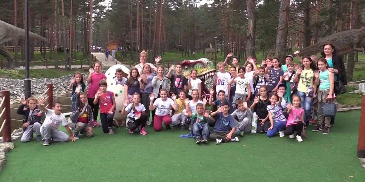 Dina park - deca iz N.Varoši