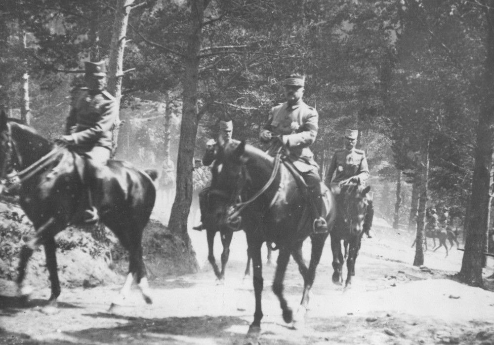 Ратници,  генерал Петар Бојовић прати престолонаследника  Александра Карађорђевића на Јелаку , 1918. године
