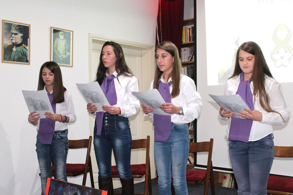 Дуг прецима и неговање културе памћења – ученици из Негбине (Фото Д. Гагричић)