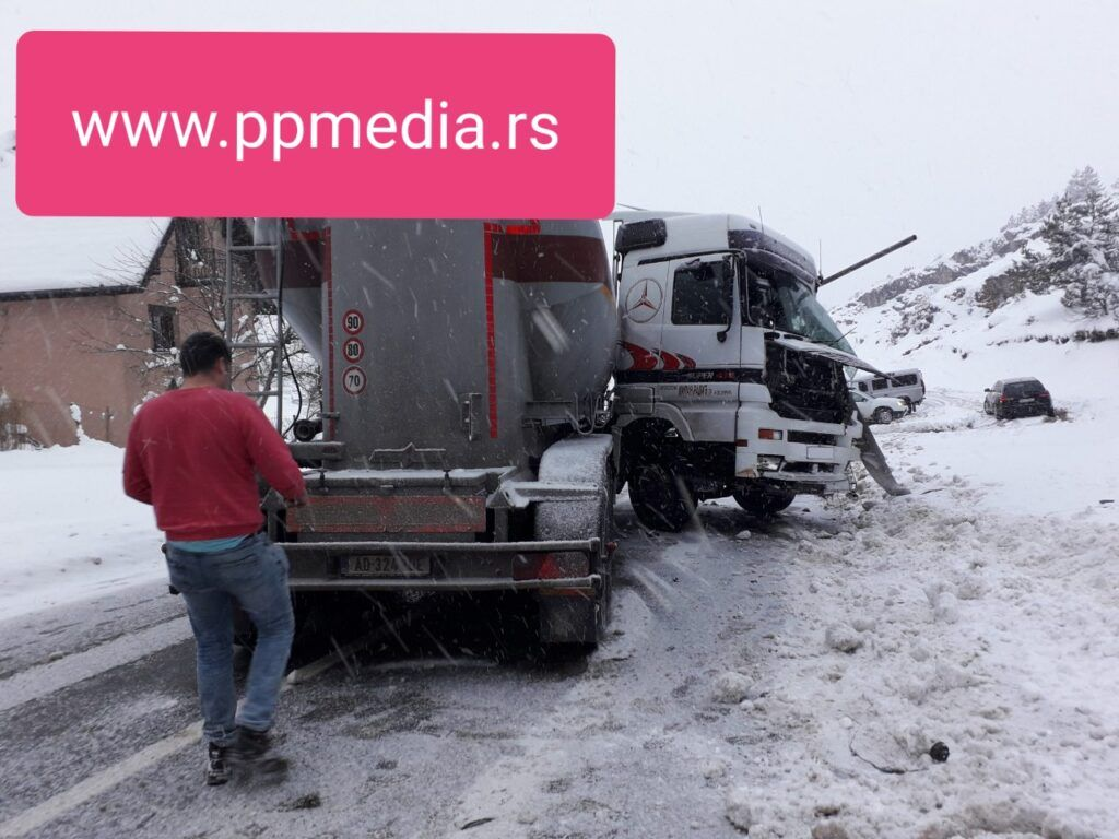 Sudar kamiona u Negbini