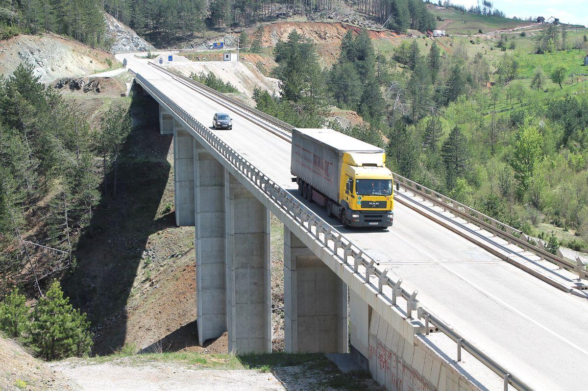 Гас до даске, мост испод Пријеворца у Драглици