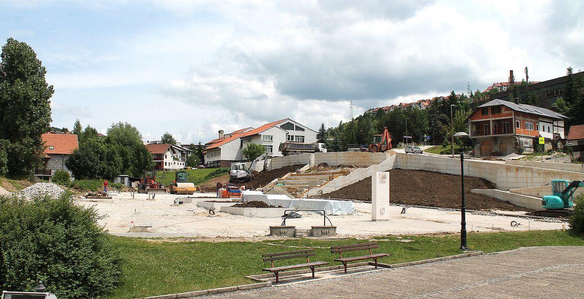 Приводе се крају радови на горњем делу Трга војводе Бојовића