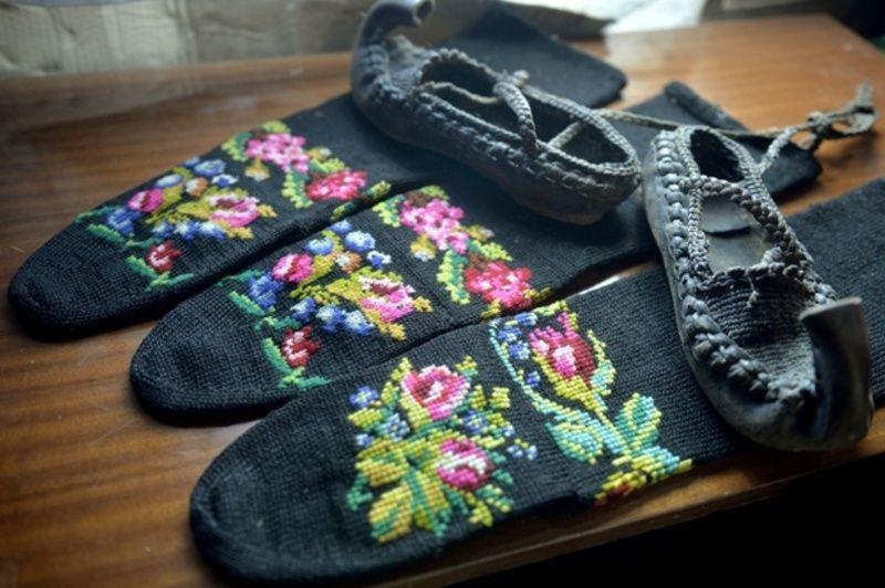 Везене чарапе