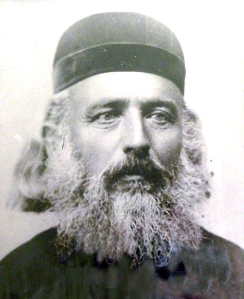 Свештеник Василије Поповић