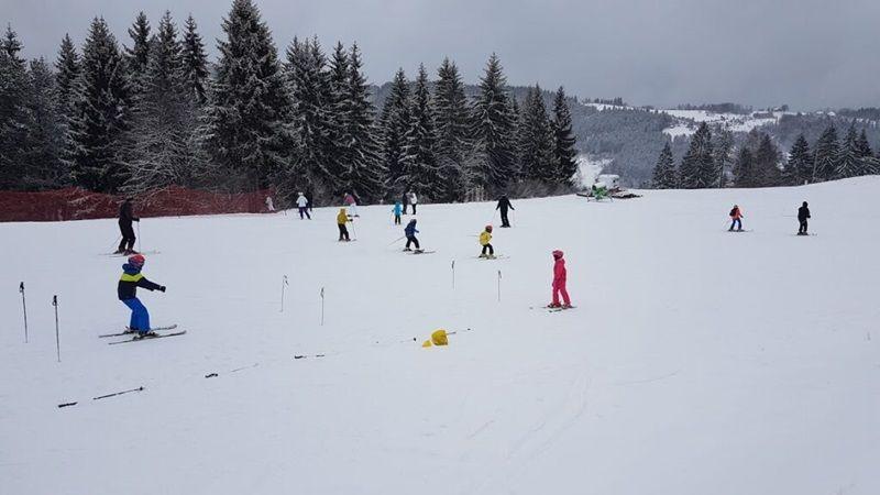 Скијање на Златару на утабаним стазама, фото: РИНА