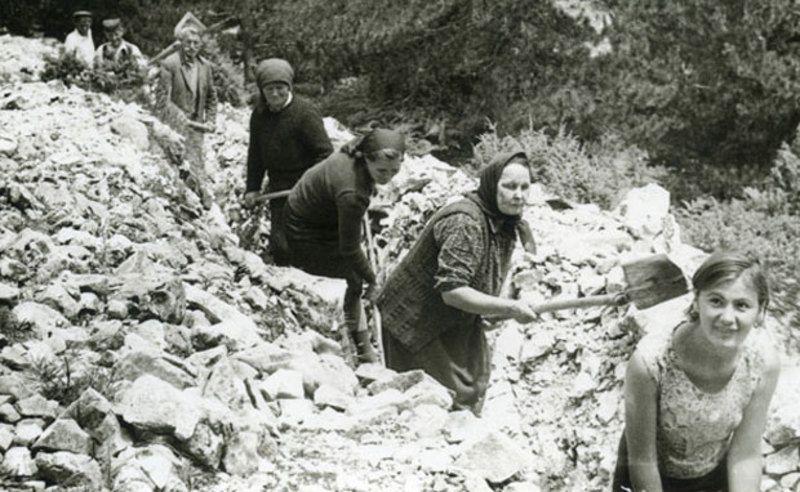 Испомоћ у довођењу воде кроз крш планине