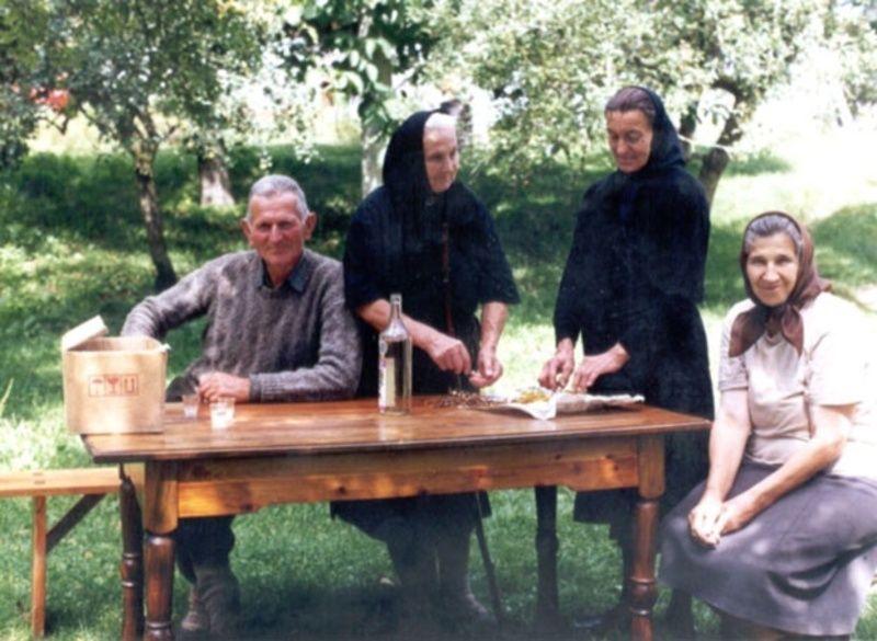 Љута трава на љуту рану - фамилија Шуљагић ,Фото Д.Гагричић