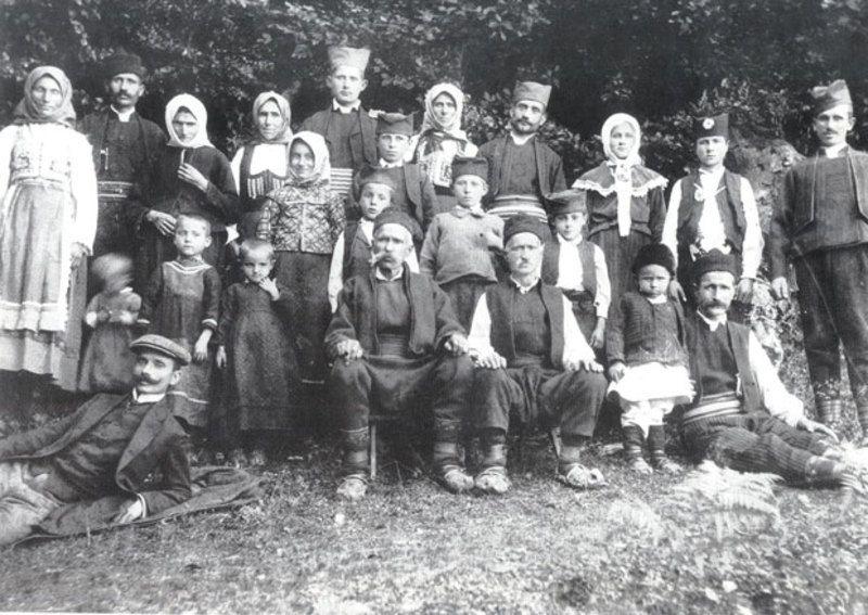 Братство Вуловића у Равној Гори