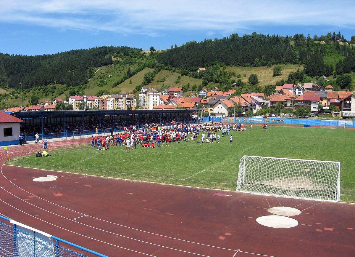 Кратак рок а пуно посла - стадион на Браношевцу