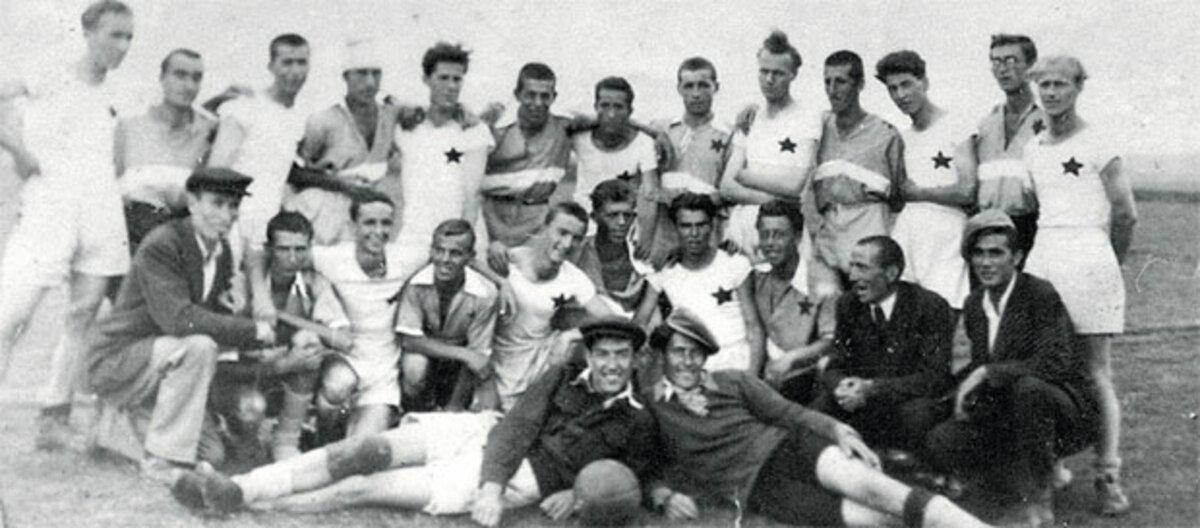 Стогодишњак ФК Златар, прва послератна фотографија 14. јула 1946. - Фото библиотека Нова Варош