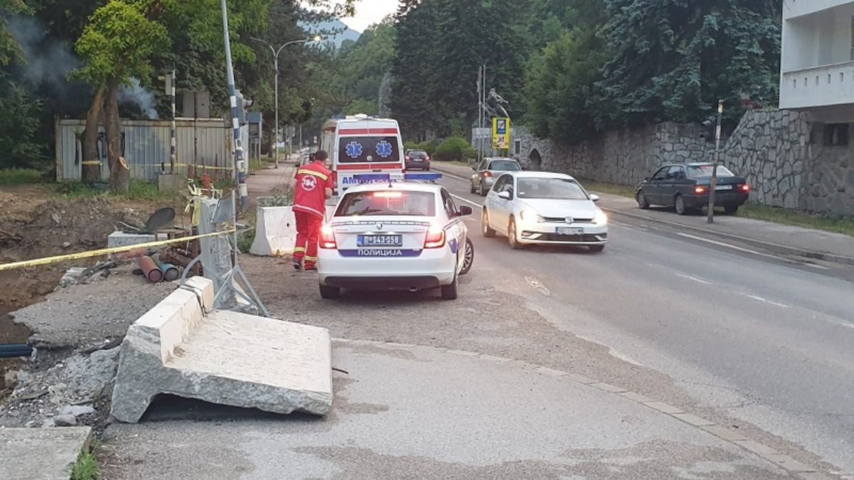 На лице места стигла хитна помоћ и полиција, фото: РИНА