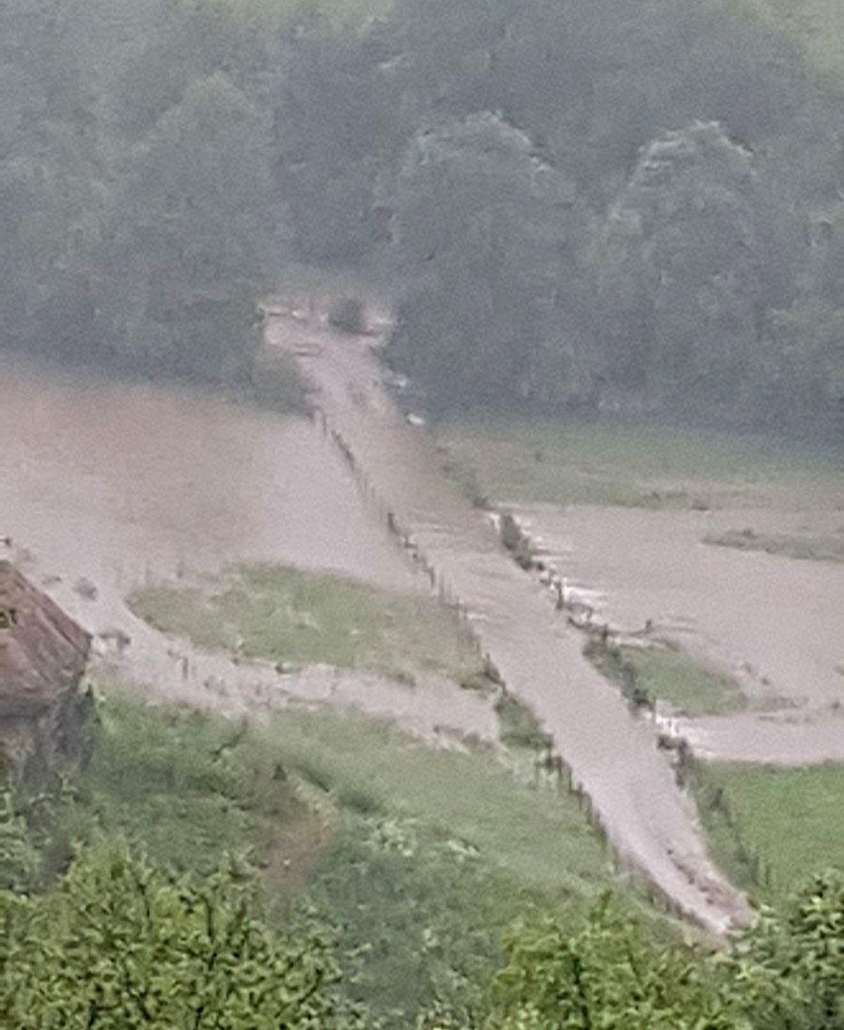 Река Тисовица на путу за село Тисовицу