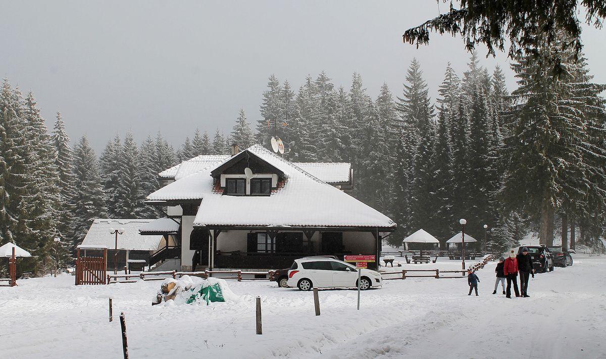 Дрема у снегу - шумарска кућа на 1.440 метара