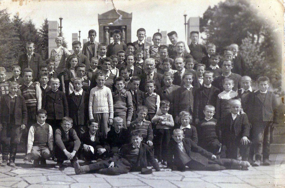 Ђаци из Штиткова на Авали 1956. године