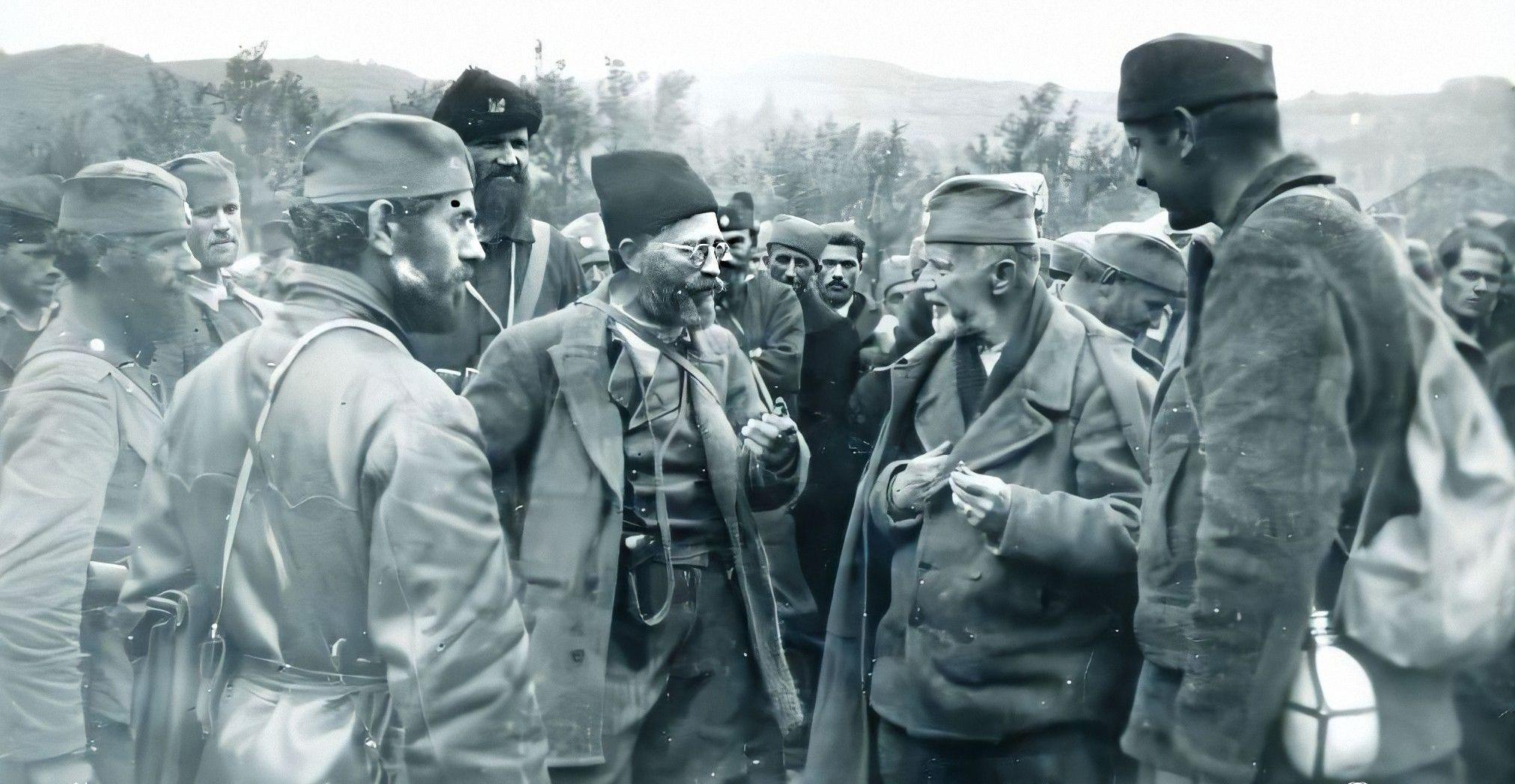 Генерал Драгољуб Михаиловић на Златару 1942. године