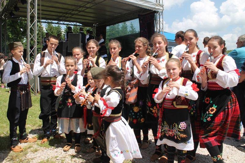 Традиција  - сабор код шумарске куће и Карађорђева шанца