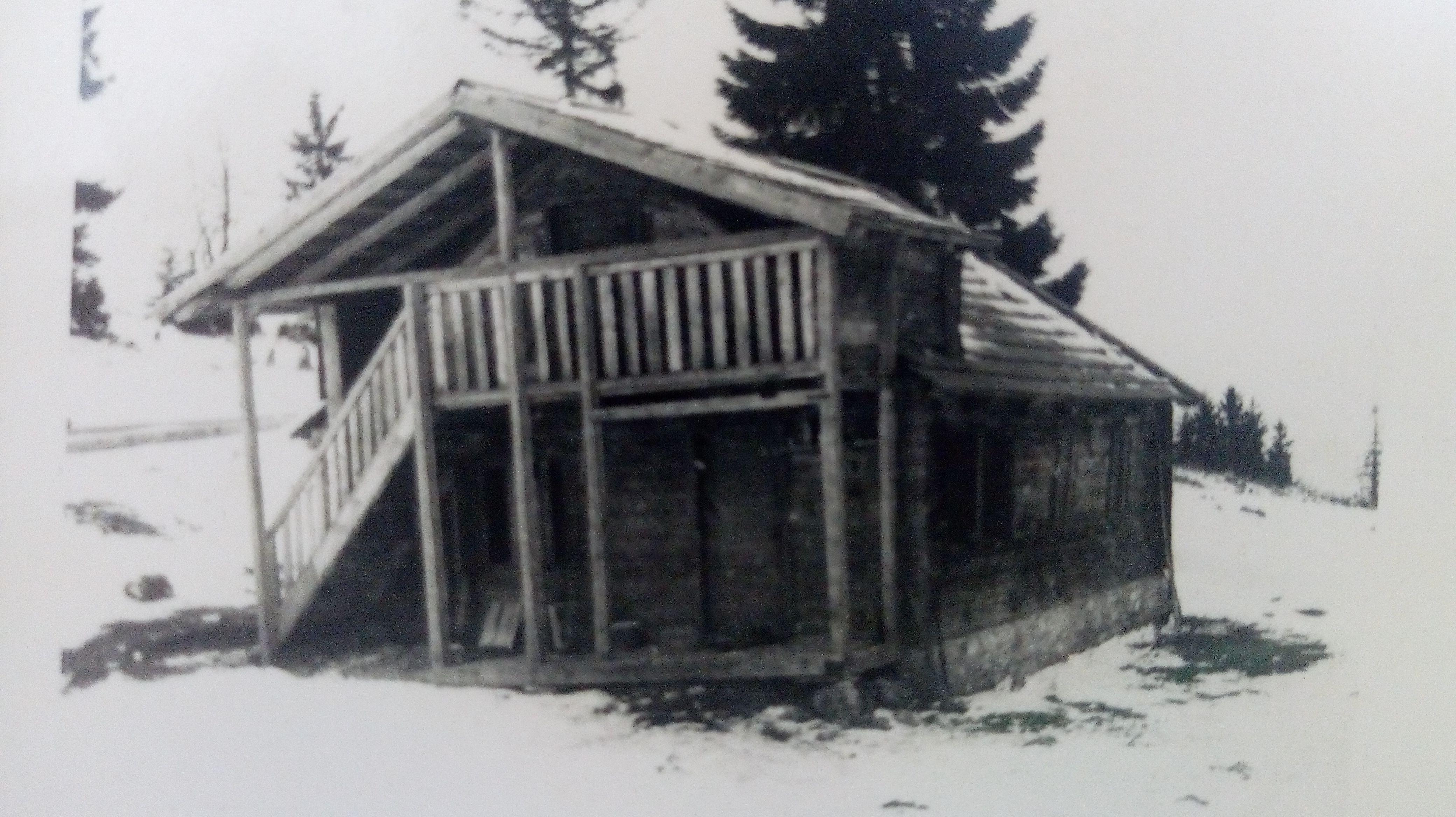 Некадашњи планински дом на Воденој Пољани