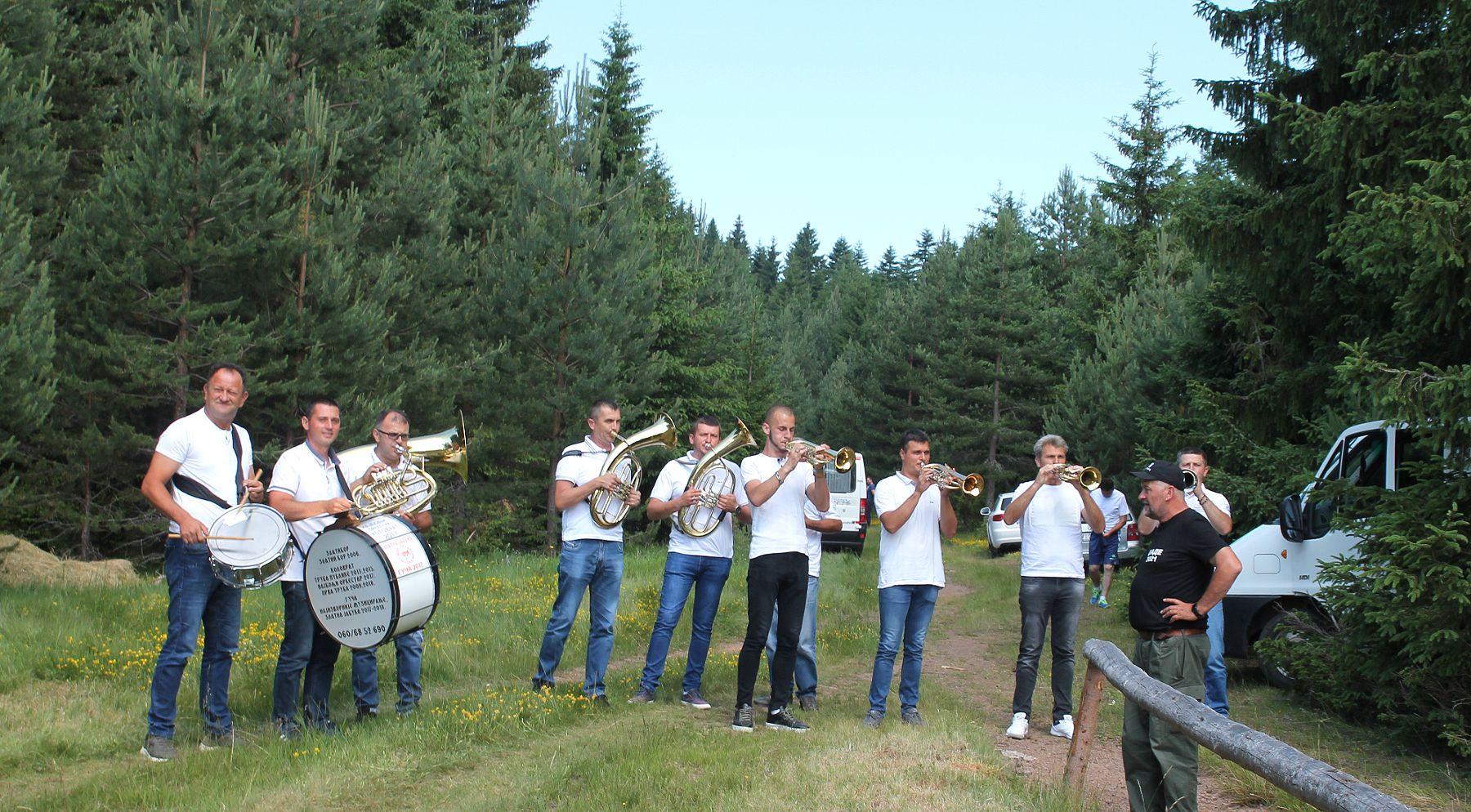 Јечи гога - свирај трубо, свирала за дуго