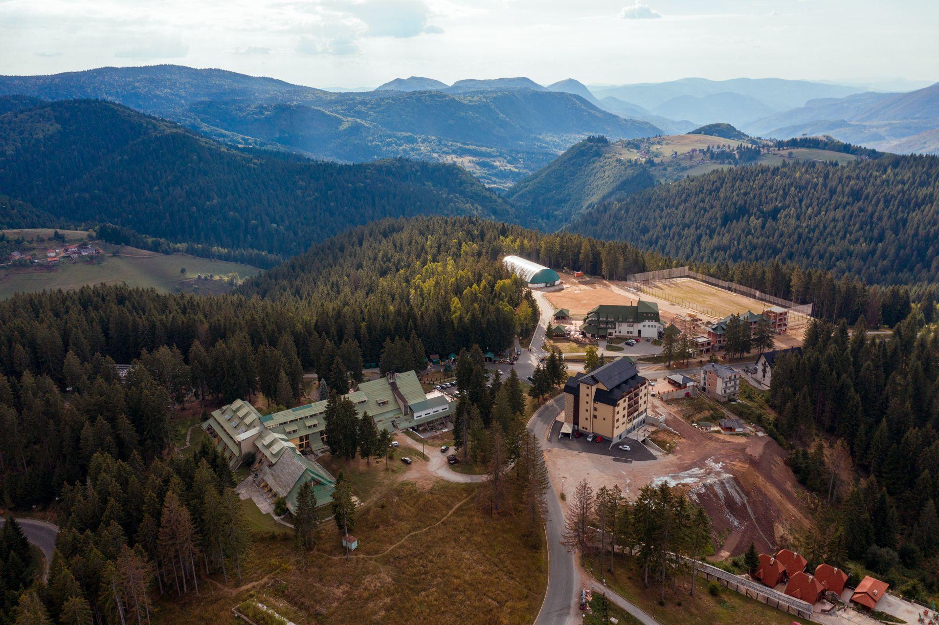 """Крчевине – хотел """"Панорама"""" и нови објекти (Фото: А. Бубања)"""